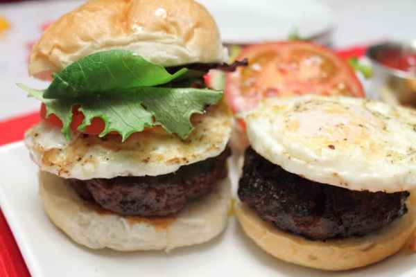 Chorizo and Beef Burgers 640|2CookinMamas