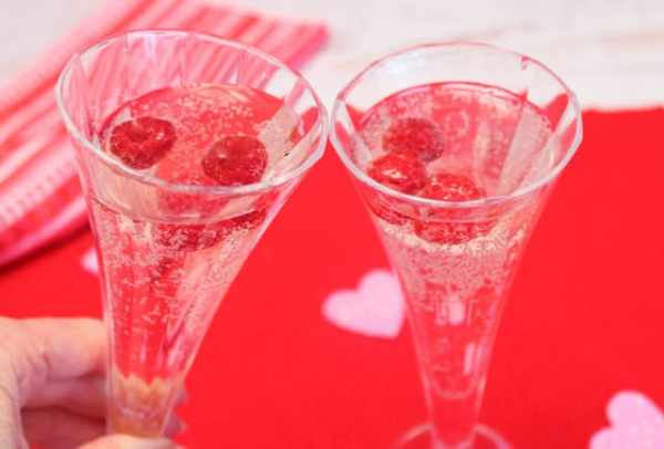 Valentine Wine Spritzer cheers|2CookinMamas