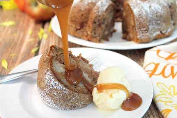 One Bowl Apple Cake a la mode | 2 Cookin Mamas