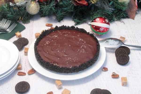 Salted Caramel Pecan Chocolate Pie 10 | 2 Cookin Mamas