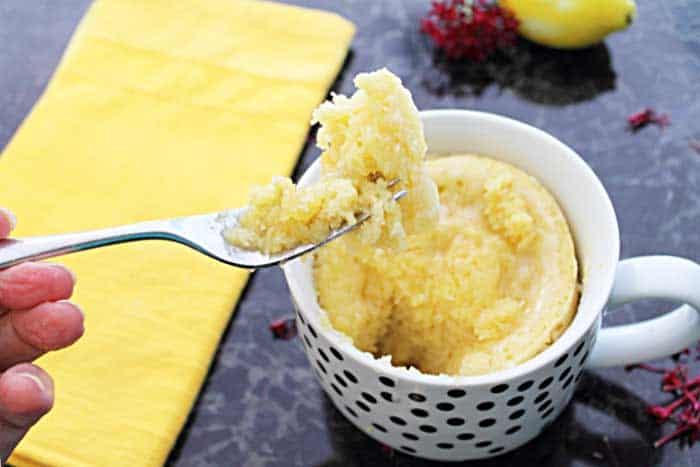 easy microwave lemon mug cake with