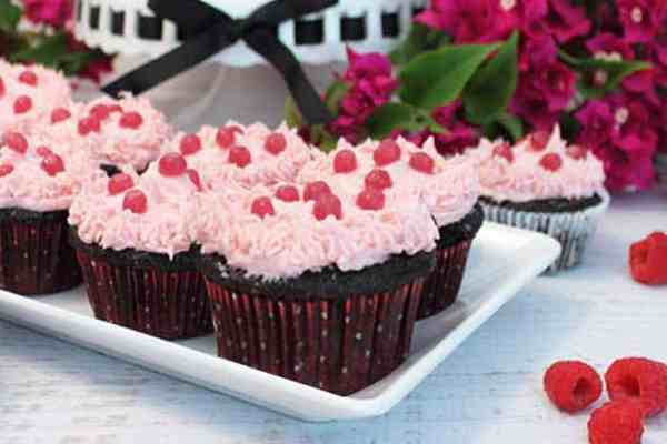 Chocolate Raspberry Cocktail Cupcakes 4 | 2 Cookin Mamas