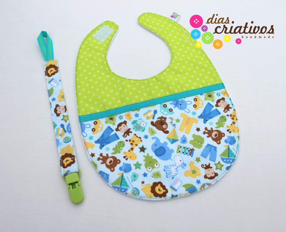Babetes e Fitas Chucha / Baby bibs and Pacifier holders (1/5)