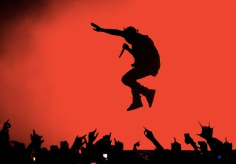 kanye australia jump Kanye West Defended By Wheelchair Bound Rapper In Open Letter
