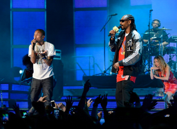 pharrell snoop live Snoop Dogg Signs To Pharrell's i am OTHER Label