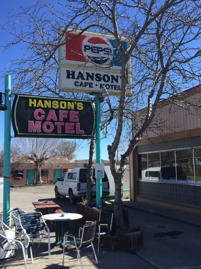 Exterior of Hanson Cafe Motel in Glenns Ferry, Idaho