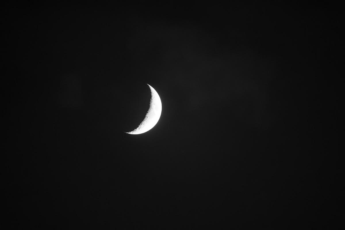 20180617 Crescent Moon 018-2