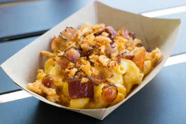 Smoked Bacon Mac and Cheese with Barbecue-Seasoned Crispy Onions