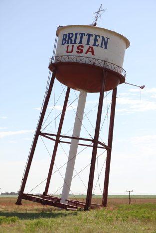 Ett lutande vattentorn, en av många konstigheter man kan se längs Route 66