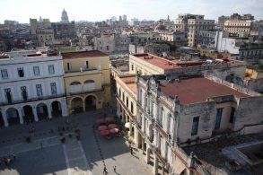 Utsikt från ett tak vid Plaza Vieja