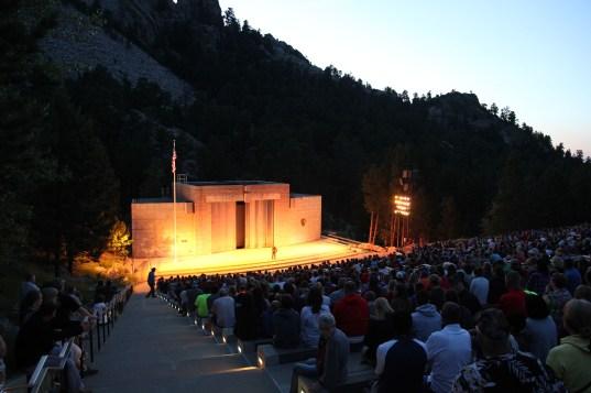 Patriotisk avslutning på kvällen vid Mount Rushmore