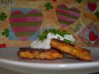 Steffi vonBaking and Cooking with Lovemachte sich ebenfalls an ein vegetarisches Gericht, das schnell von der Hand geht und kredenzteReis-Möhren-Bratlinge mit Kräuter-Radieschen-Quark.