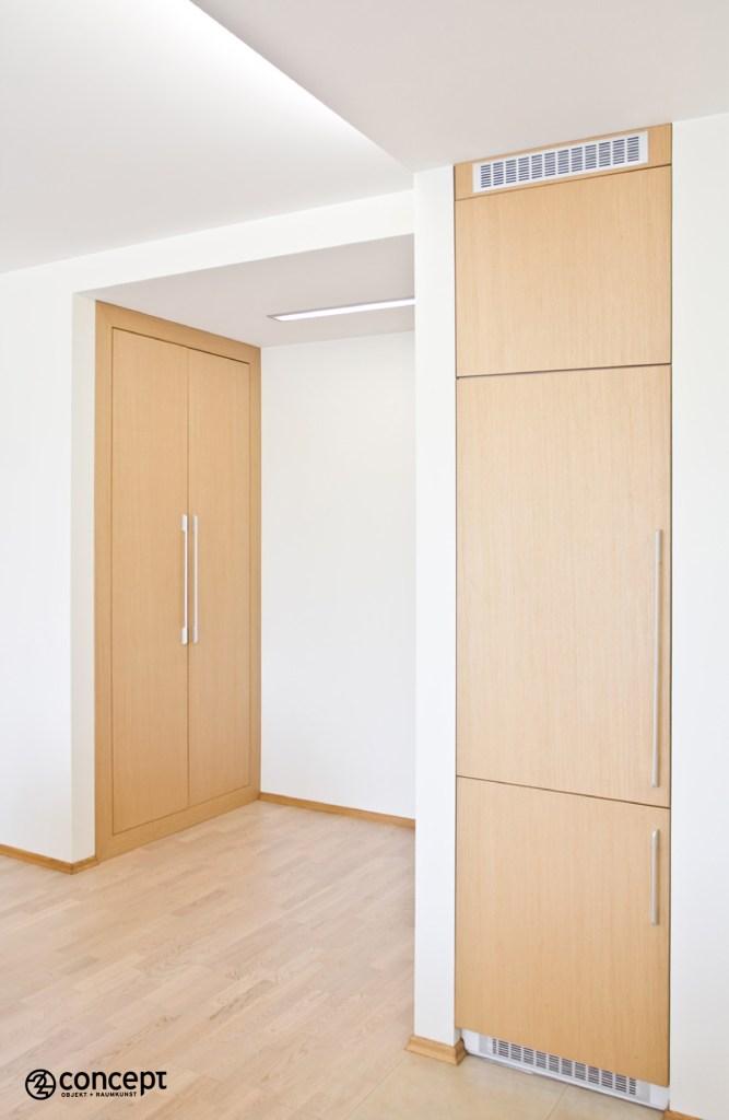 Einbaustauraum und maßgefertigte Kühlschrank-Vorderseite