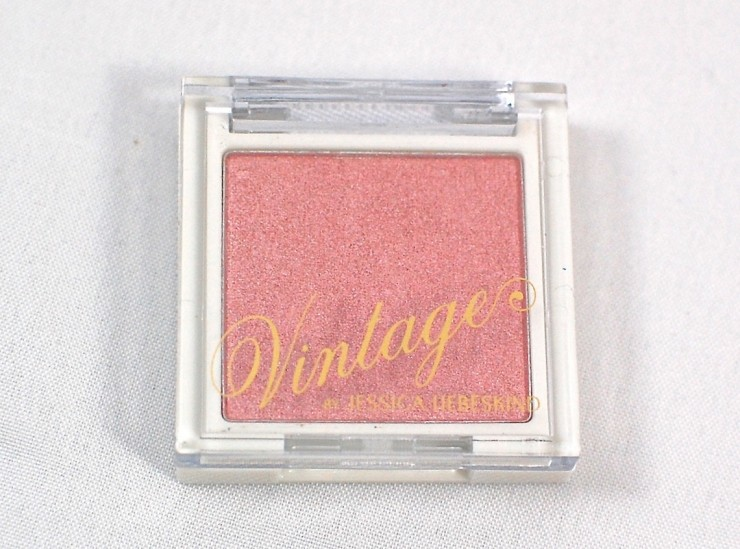 Vintage face highlighter
