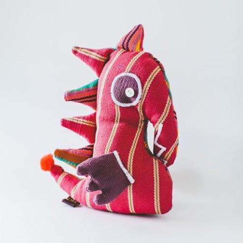 GlobeIn seahorse pillow