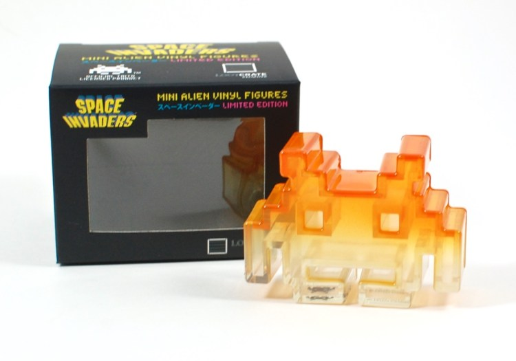 space invaders figure