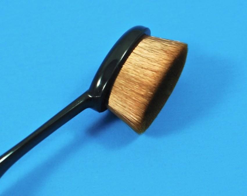 oval beauty brush
