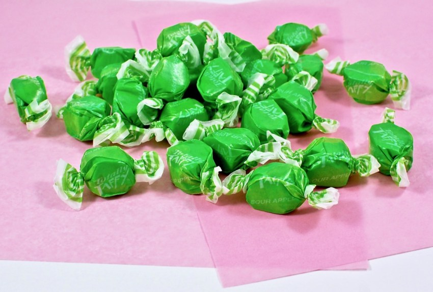 Sweet's sour apple taffy