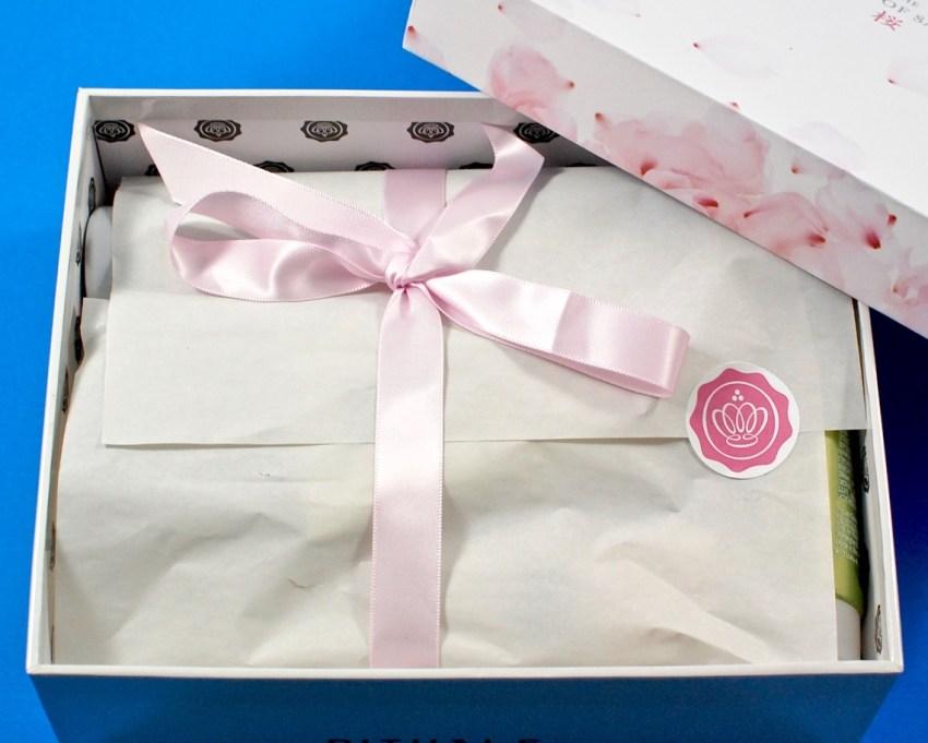 Glossybox sakura box review