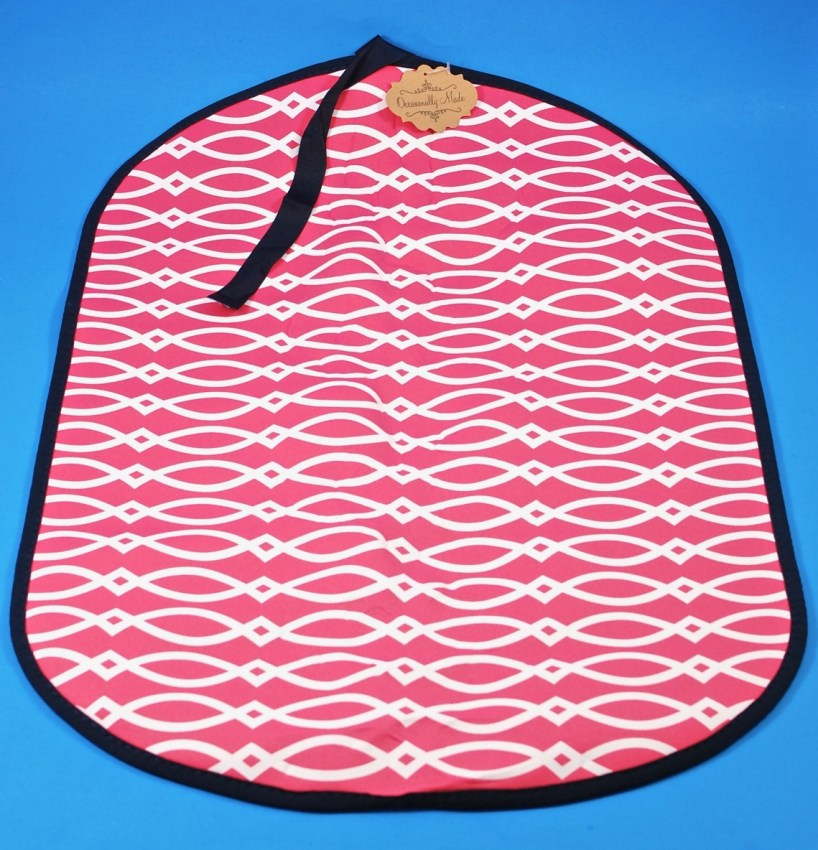 Occasionally Made – Diamond Pink Booty Buddy Pool Mat