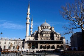 Yeni Camii, the New Mosque.