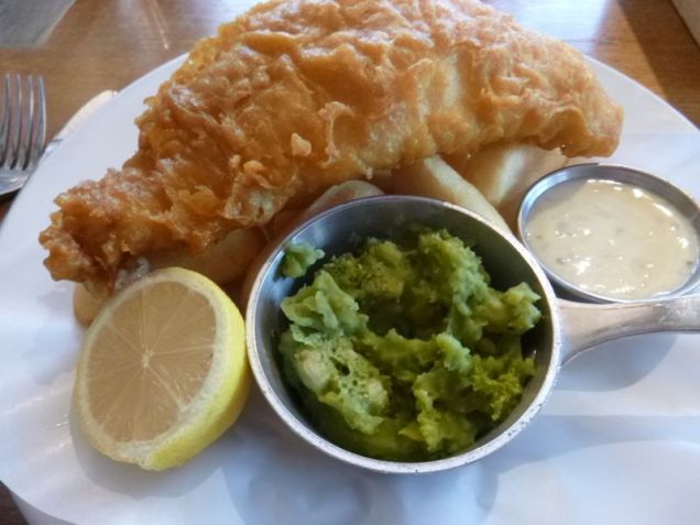 the obligatory fish-n-chips! with mushy peas. which... are just what they sound like. mushy. peas. kinda like split pea soup but not soupy. actually not as bad as it sounds.