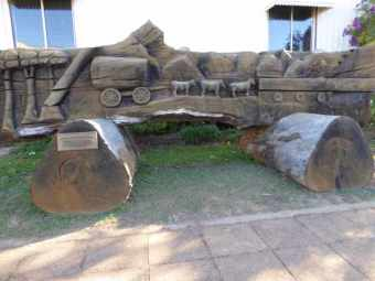Big Cedar log carving.