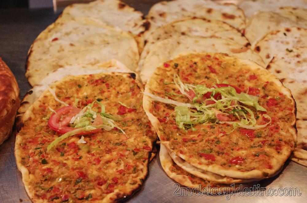 El mejor Lahmacun turco en el Bazar de las Especias de