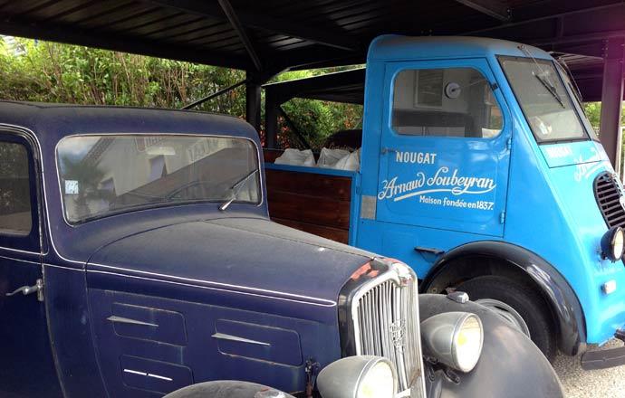 Old nougat delivery truck in Montélimar