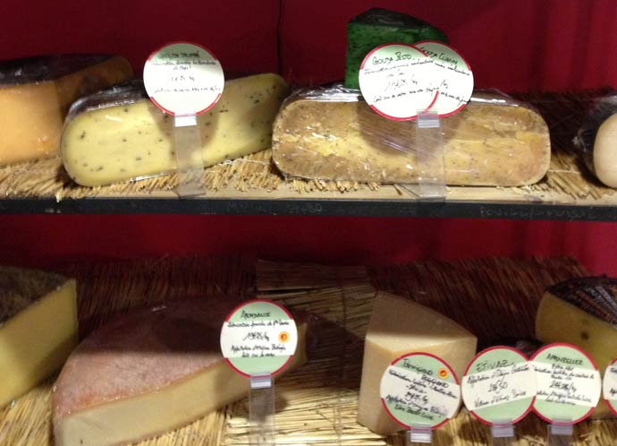 Cheese shelf at Le Jardin De La Martinière