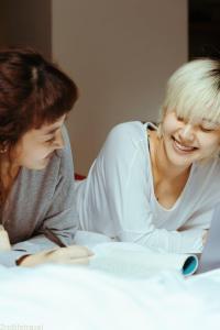 happy women smiling