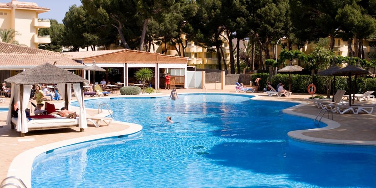 Le pi belle piscine di Milano se il mare questestate  un miraggio