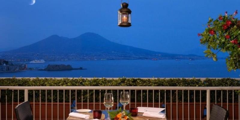 Cena con vista prenota subito in uno di questi 6 ristoranti di Napoli