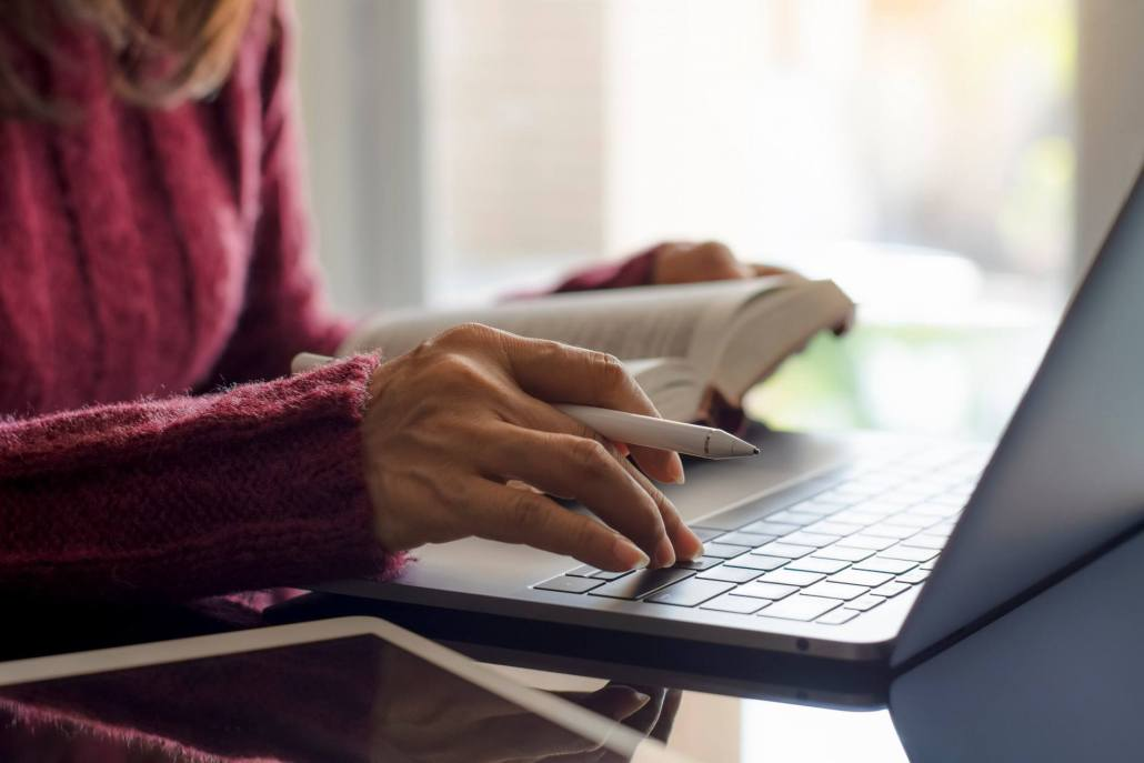 Online developmental editing services for books and authors.