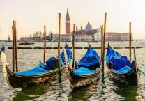 italy_venice_boats