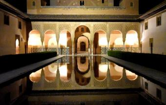 spain_granada_alhambra_arches_and_pool_at_night_bkt_1522