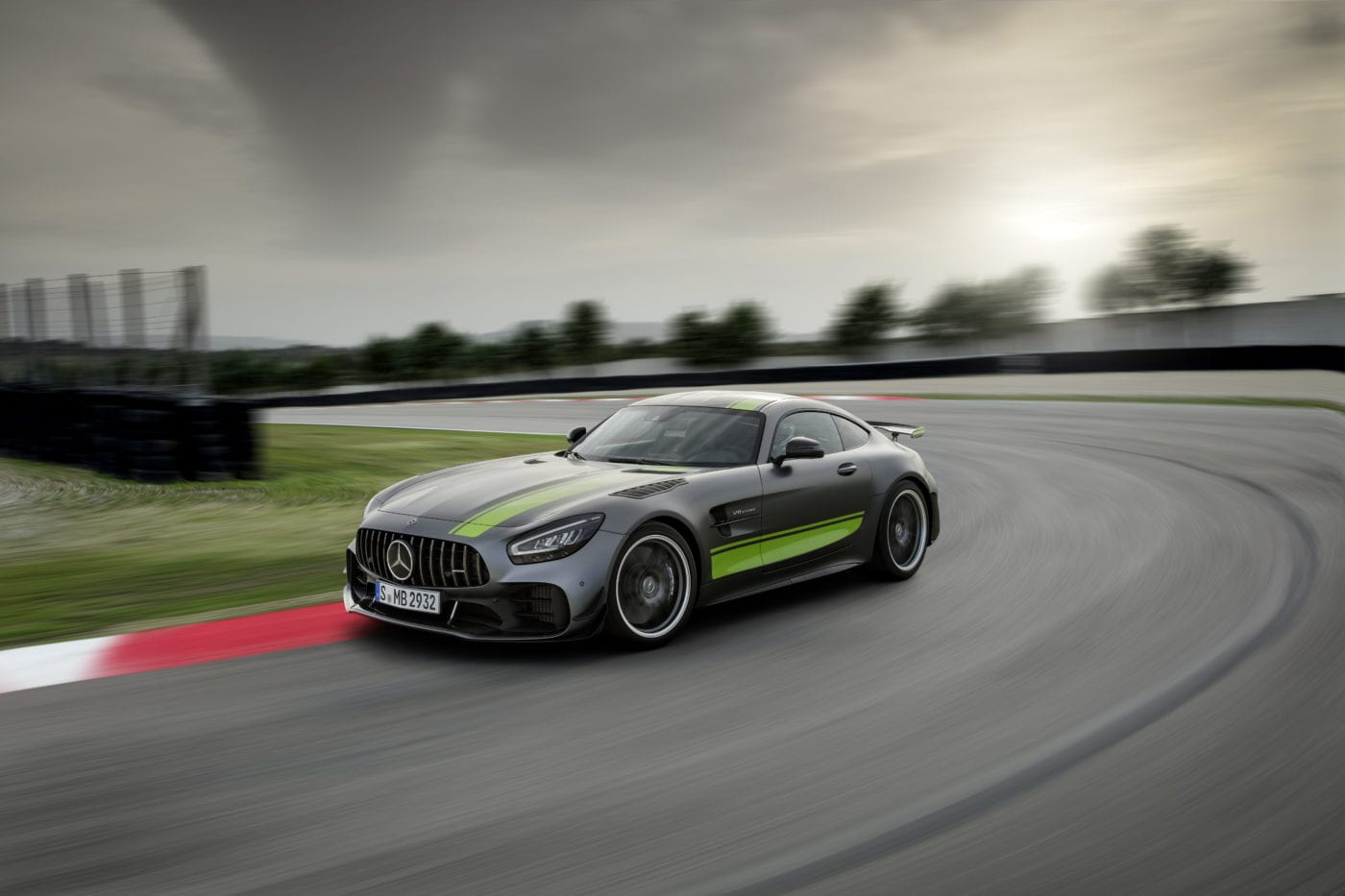 2020 Mercedes AMG AMG GT R Pro Revealed