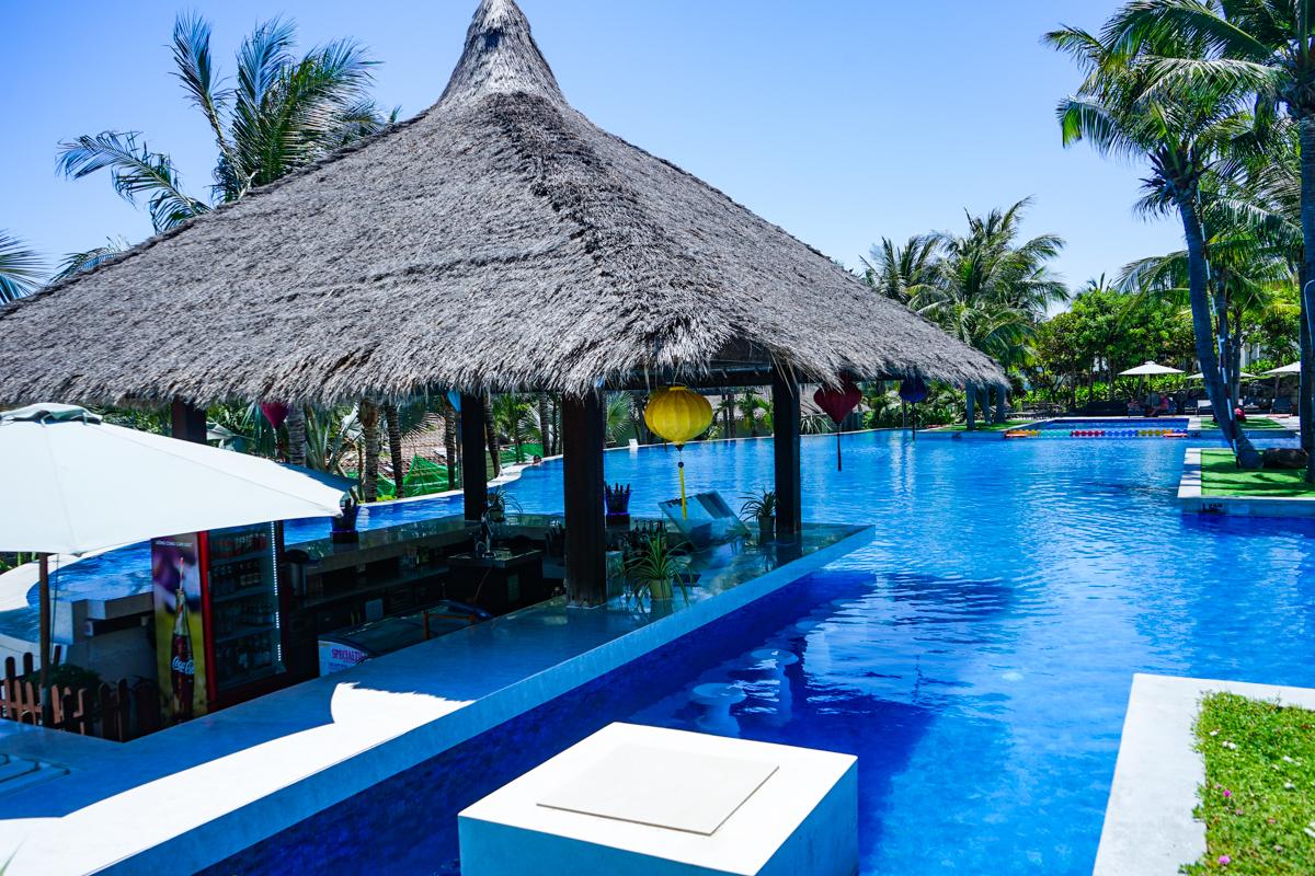 海崖度假酒店 泳池中的酒吧