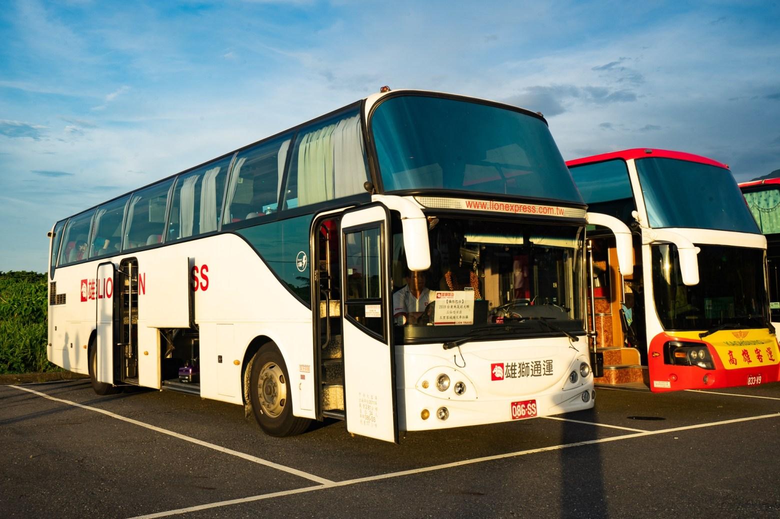 雄獅旅遊巴士2019
