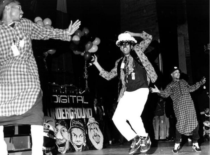 2Pac's Timeline 2Pac with Digital Underground at The Arena uis