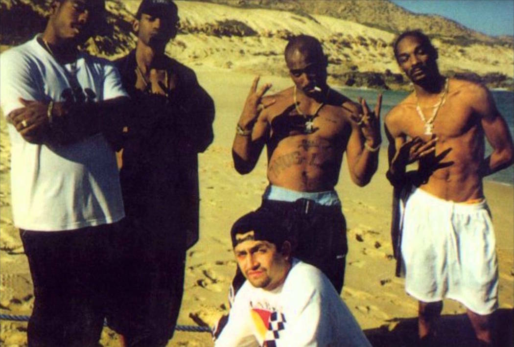 1996-05-28 / Tupac, Outlawz & Death Row's members on Vacation in