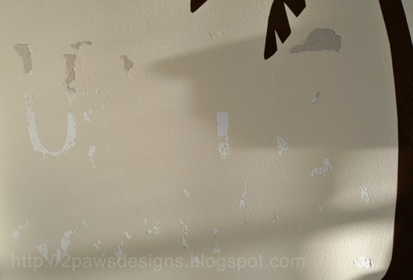"""""""It's a Jungle in Here"""" vinyl decal: Damage to Wall After Removing"""