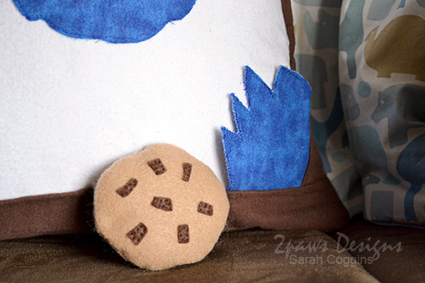 DIY Cookie Monster Pillow: Hand & Cookie