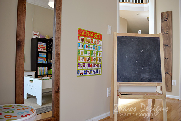 Playroom: Dress Up and Easel