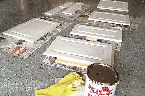 Kitchen Makeover: Cabinet Doors Primed