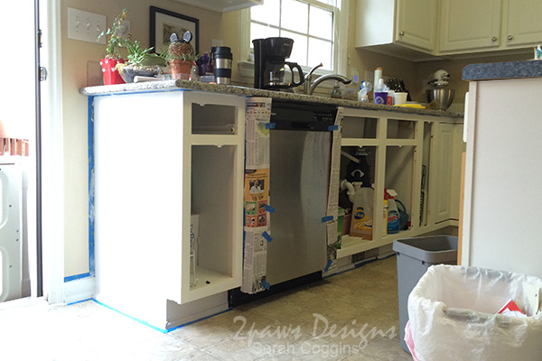 Kitchen Makeover: Painting Cabinets