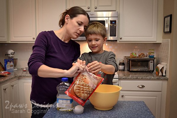 Making Betty Crocker Peanut Butter Cookies #SpreadCheer #sp