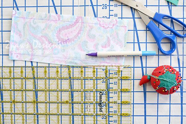 Small Vinyl Organizer Bag Tutorial: Mark Fold Lines