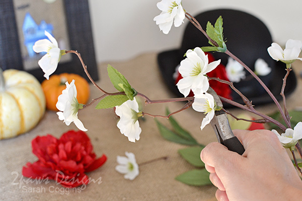 DIY Mary Poppins Hat: Clip Flowers