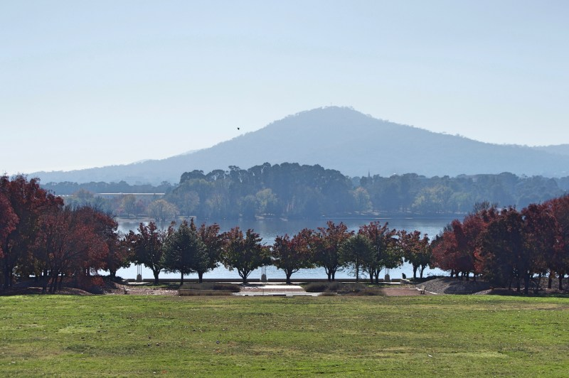Mount Ainslie and Lake Burley Griffin.